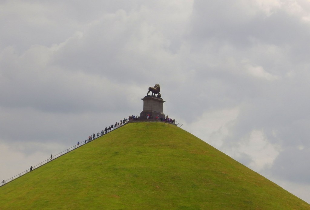 Waterloo Lions Mound Statue